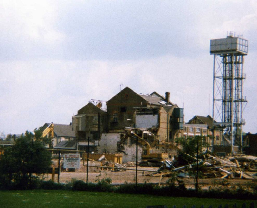 Brewery Demolition April 1999.jpg