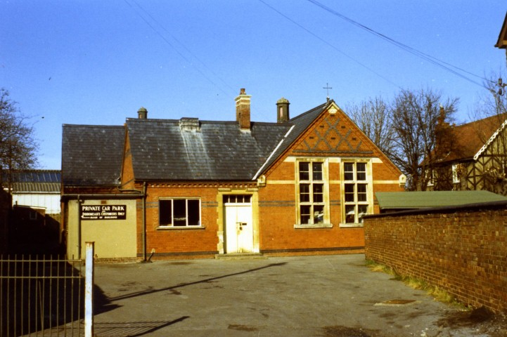 Church St School 1965 Dodimead Store.jpg