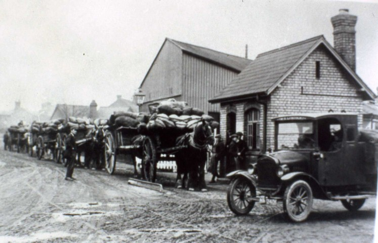 Market Gardeners Queuing along Station Road